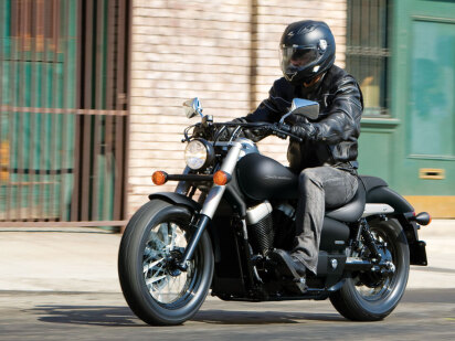 Honda VT750C2B Shadow Black Spirit